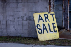 Panneau de signe de vente d'art sur la droite Photographie stock libre de droits