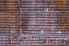 Panneau en acier ondulé rouillé Images libres de droits