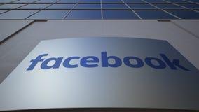 Panneau extérieur de signage avec le logo de Facebook Immeuble de bureaux moderne Rendu 3D éditorial Photo libre de droits