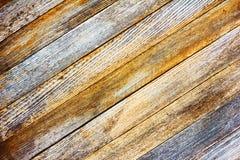 Panneau gris de grange de texture de fond vieux avec les lamelles en bois diagonales photographie stock libre de droits
