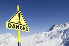 Panneau mis en danger de montagne Photographie stock