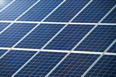 Panneau photovoltaïque pour la texture ou le modèle de production d'électricité solaire Images libres de droits