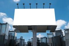 Panneau-réclame blanc avec des constructions Photos libres de droits