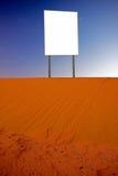 Panneau-réclame dans le désert Images libres de droits