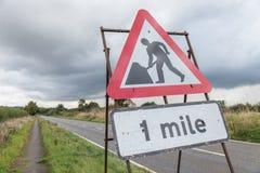 Panneau routier BRITANNIQUE de relais d'autoroute Photo libre de droits