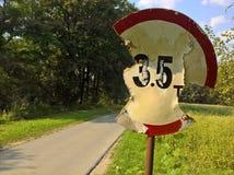 Panneau routier détruit Image libre de droits