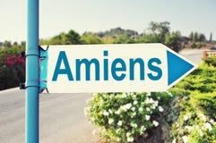 Panneau routier d'Amiens Photographie stock libre de droits
