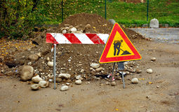 Panneau routier de construction photo stock