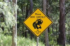 Panneau routier de koala dans l'Australie Images libres de droits