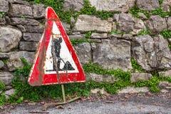 Panneau routier de travail en cours Image libre de droits