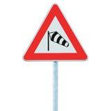 Panneau routier latéral soudain de vents croisés vraisemblablement en avant, signage d'avertissement d'isolement de sidewind de v Image stock
