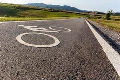 Panneau routier pour des vélos et des cyclistes Images libres de droits