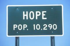 Panneau routier pour la ville de l'espoir dans le comté de Hempstead, Arkansas Photos libres de droits