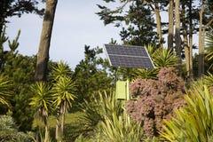 Panneau solaire se mélangeant dans des environnements Photographie stock