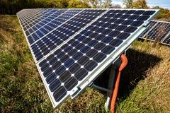 Panneau solaire, source photovoltaïque et alternative de l'électricité Image libre de droits
