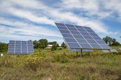 Panneau solaire sur le fond de ciel en Amérique Photographie stock libre de droits