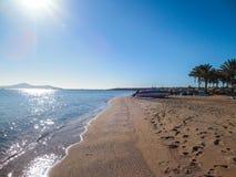 Panneau sur la plage Photographie stock libre de droits
