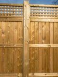 Panneautage en bois de barrière qui est ensoleillé photos stock
