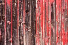 Panneautage en bois peint rouge Photos libres de droits