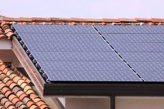 Panneaux à énergie solaire Image libre de droits