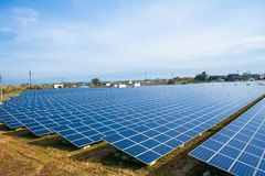 Panneaux d'énergie solaire, modules photovoltaïques photos libres de droits