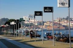 Panneaux d'affichage de producteurs de vin de port. Porto. Portugal Photo libre de droits