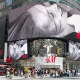 Panneaux d'affichage géants de Times Square Photos libres de droits