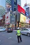 Panneaux d'affichage sur le Times Square à New York City Photo stock