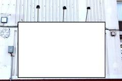 Panneaux d'affichage vides au mur Image stock