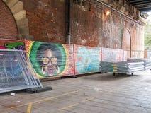 Panneaux de graffiti montrés sous le pont du sud de banque, Londres Photos libres de droits