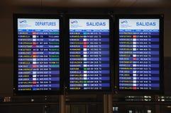 Panneaux de l'information de vol, aéroport de Malaga. Photo libre de droits