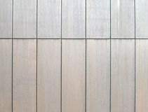 Panneaux de revêtement en acier modernes sur un bâtiment images libres de droits