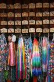 Panneaux et grues votifs d'Origami Photos libres de droits