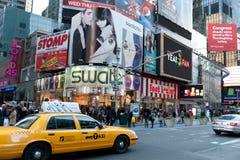 Panneaux-réclame de Times Square Images libres de droits