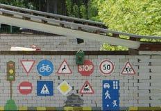 Panneaux routiers à 40 d'un état à un autre et partout dans toutes les directions dedans Photos libres de droits