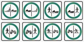 Panneaux routiers de réglementation au Québec - Canada Image libre de droits
