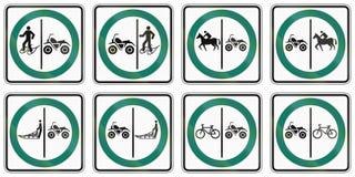 Panneaux routiers de réglementation au Québec - Canada Photos libres de droits