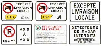 Panneaux routiers de réglementation au Québec - Canada Photos stock