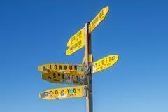 Panneaux routiers de Reinga de cap Photos libres de droits