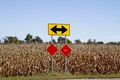 Panneaux routiers directionnels Photo libre de droits