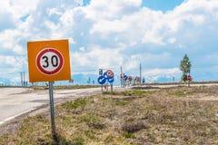 Panneaux routiers en Turquie Image libre de droits