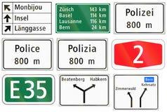 Panneaux routiers informationnels utilisés en Suisse illustration stock