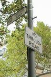 Panneaux routiers sans issue noirs et blancs Photographie stock libre de droits