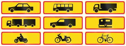 Panneaux routiers supplémentaires en Finlande illustration libre de droits
