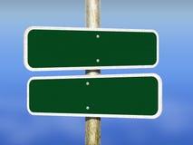 Panneaux routiers vides avec le fond Photos libres de droits