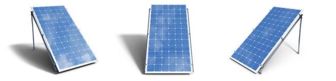 panneaux solaires de l'illustration 3D d'isolement sur le fond blanc Panneaux solaires r?gl?s avec le beau ciel bleu de r?flexion image libre de droits