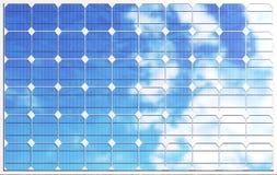 panneaux solaires de l'illustration 3D sur le fond de ciel Énergie propre alternative du soleil Puissance, écologie, technologie Images stock