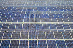 Panneaux solaires en Thaïlande, énergie solaire Image libre de droits