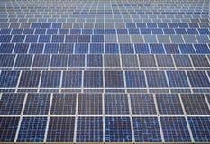 Panneaux solaires en Thaïlande, énergie solaire Images libres de droits