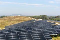 Panneaux solaires photovoltaïques Photos libres de droits